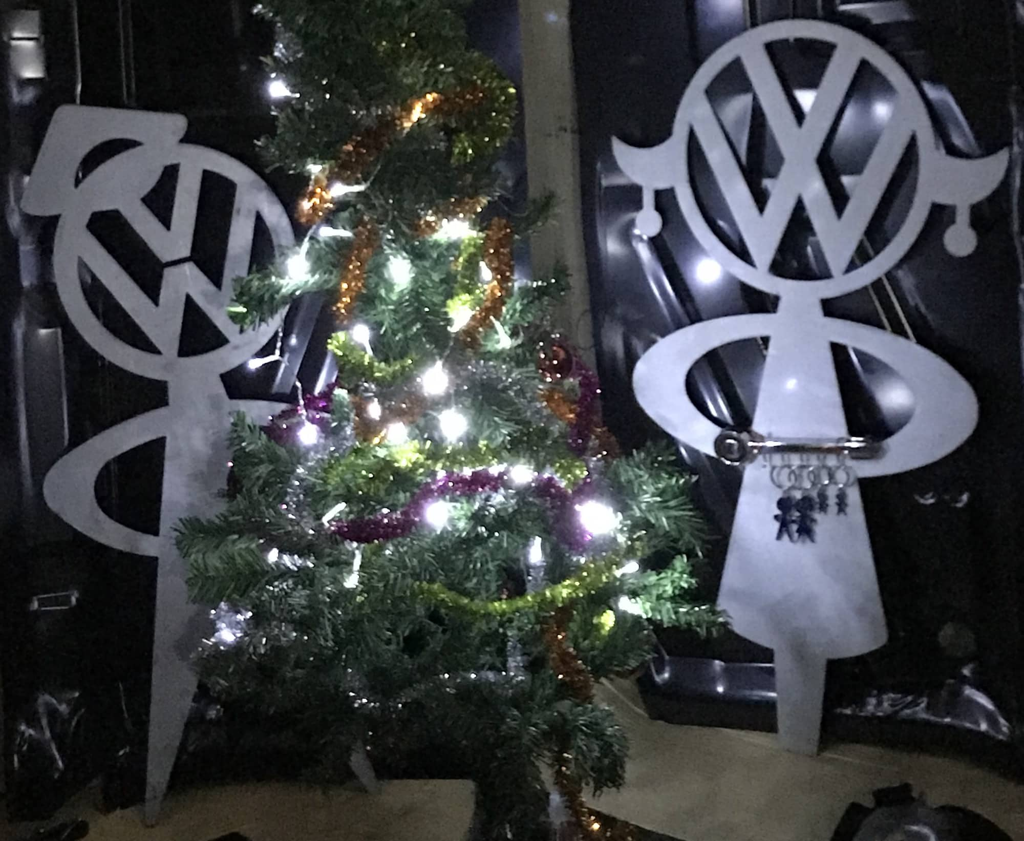 Mr and MRS VW Bobblehead at Christmas